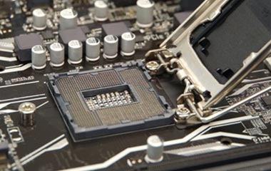 CPUカバーが開きます。
