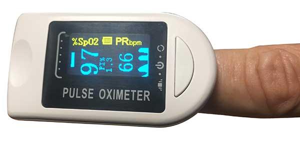 パルスオキシメーターで血中酸素濃度を測ってみる。